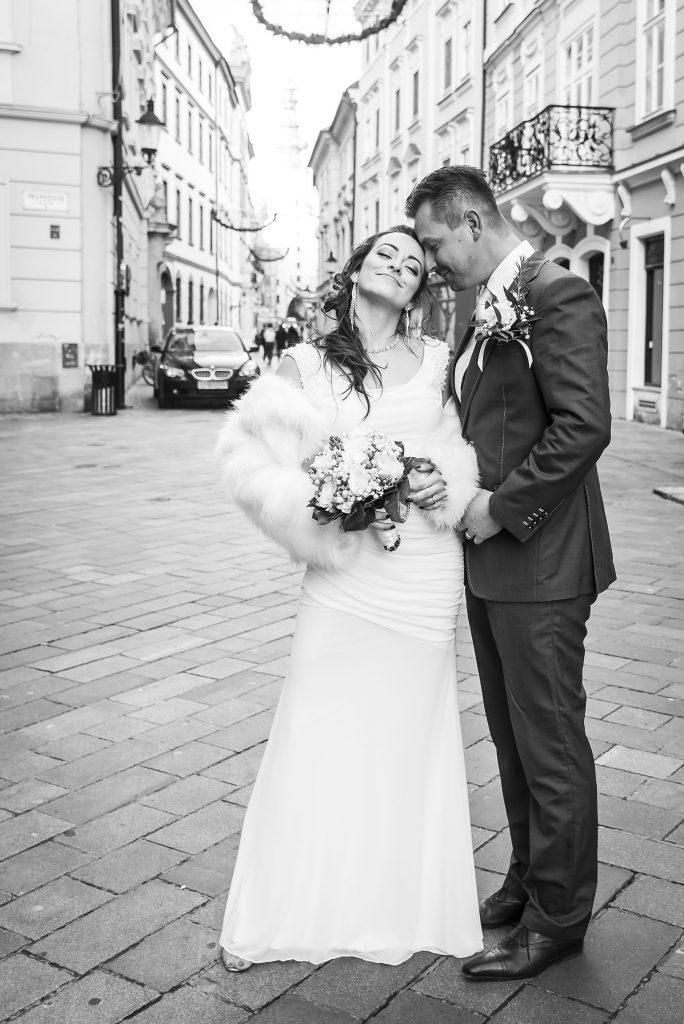 Tradičny svadobný fotograf